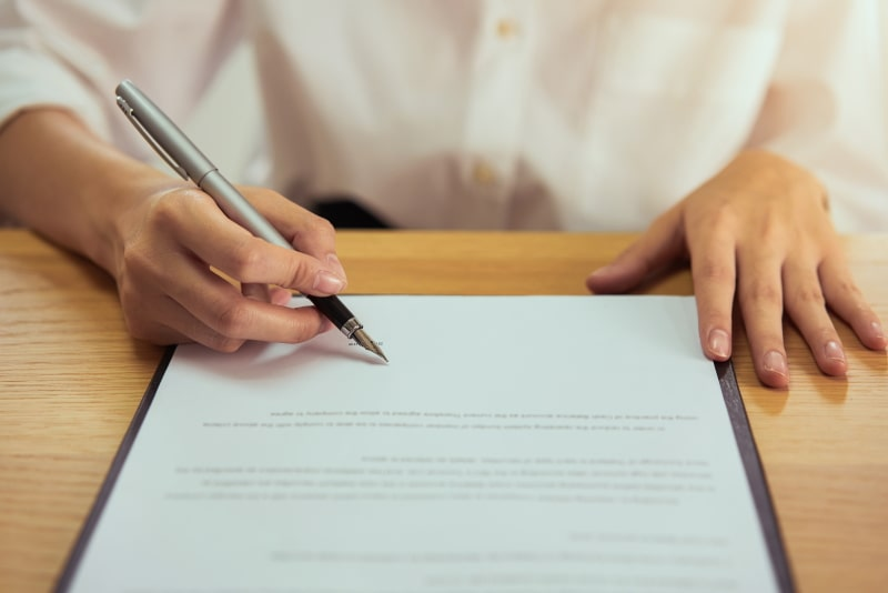 Contratos para Assistentes Virtuais